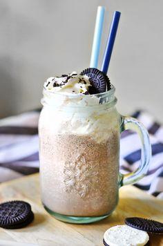 Cookies and Cream- Pirtelö (Gluteeniton) Milkshakes, Cookies And Cream, Smoothies, Mason Jars, Mugs, Drinks, Tableware, Beverages, Dinnerware