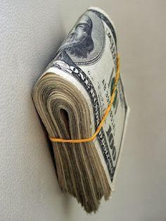 UNIVERSO: Dinheiro nunca faltara