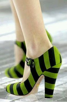 These are so wizard of oz like!!! Ding dong the witch is deader!!!LOL love em tho