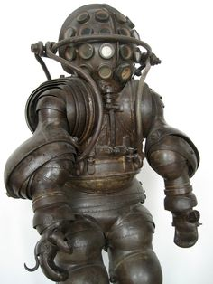 Carmagnolle diving suit | France, 1880 | See also: http://www.divingheritage.com/armored2.htm [Compare: pinterest.com/pin/158540849353947415/]