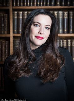 Liv Tyler discusses her lengthy acting career at the Oxford Union Liv Tyler Style, Liv Tyler Hair, Foto Pose, Iconic Women, Oxford, Sarah Michelle Gellar, Hollywood Actresses, Celebrity Weddings, Beautiful Actresses