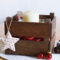 Capture some cosy rustic charm by making a mini farm crate. No heavy-duty tools required!