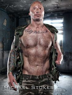 Wounded Veterans Bare All in Photographer Michael Stoke's Book 'Always Loyal' https://themighty.com/2015/07/wounded-veterans-pose-nude-in-michael-stokes-photo-book/