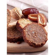 Date Nut Bread (Set of 2 Cans)