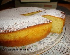 soffice e profumata, da mangiare in qualsiasi momento della giornata, io l'ho gustata dopo cena .http://giovanna317.blogspot.it/2014/06/torta-con-farina-di-riso-alla-cannella.html