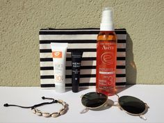 Discover how transition to clean and safe sunscreen that is not only good for you but also for the environment #beautyblog #beautyproducts #productosdebelleza #sunscreen #protectorsolar #cleanbeauty Crema Solar, Clean Beauty, Sunscreen, Environment, Cleaning, Wear Sunscreen, Coral Reefs, Mail Boxes, Sensitive Skin