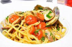 Linguine alle Vongole elles font toujours leur petit effet au restaurant Café la Jatte (92200) #linguine #seafood #fruitdemer #pasta #fooditaly