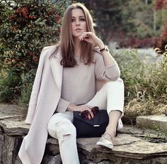 Neutral colored fall outfit. OOTD Magazine.