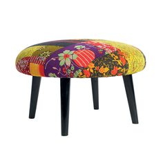 footstool in patchwork Funky Furniture, Upcycled Furniture, Painted Furniture, Patchwork Chair, Chair And Ottoman, Diy Footstool, Small Footstool, Vintage Sheets, House Doctor