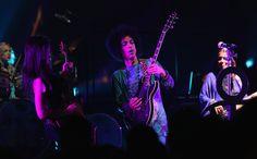 Prince Photos Photos - 2015 American Music Awards - Show - Zimbio