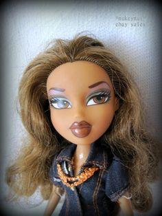 BRATZ Nevra doll wearing Yasmin's Safari outfit.