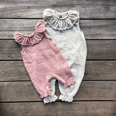 Free Knitting Pattern for Rudolph Baby Onesie – Adorable Christmas romper with r… – Cute Adorable Baby Outfits Baby Knitting Patterns, Knitting For Kids, Knitting Projects, Start Knitting, Sewing Patterns, Baby Girl Romper, Baby Girl Newborn, Baby Girls, Ruffle Romper