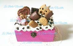 cajita de madera con chuches de arcilla polimerica Gingerbread Cookies, Bella, Baby Shoes, Alice, Teddy Bear, Sweet, Wood Crates, Polymer Clay, Hipster Stuff