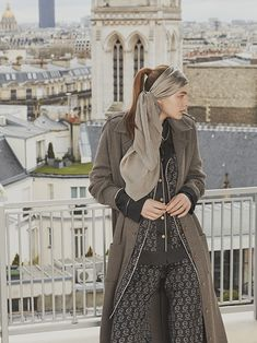 Busnel Depuis celebrates the meeting of classic chic with the fashionable woman of today. Classic Chic, Celebrities, Coat, Womens Fashion, Jackets, Image, Down Jackets, Celebs, Sewing Coat