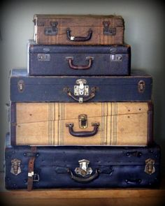 Vintage Black Suitcase Extra Large by myvintagenewengland on Etsy