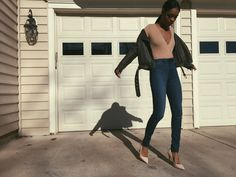IG:Jxssyrenee   Jacket and bodysuit: FOREVER21  Shoes: LOVE CULTURE Jeans: H&M