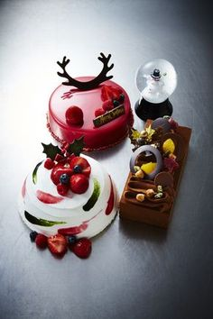 Seriously stunning gourmet desserts for an extra special celebration this festive season Fancy Desserts, Gourmet Desserts, Plated Desserts, Christmas Chocolate, Christmas Sweets, Xmas, Cake Cookies, Cupcake Cakes, Weight Watcher Desserts