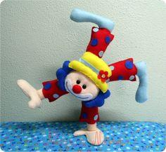 Sock Dolls, Felt Dolls, Circus Birthday, Circus Party, Diy And Crafts, Crafts For Kids, Felt Kids, Paper Piecing Patterns, Felt Art