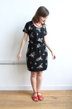 As promised, here's my report on and tips for making the Bettine sewing pattern in jersey fabric. Why would you make a Bettine dress in jersey? First of all, there's the comfort factor. The Bettine dr