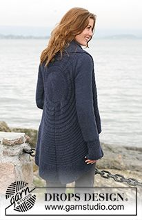"""DROPS circular jacket in """"Silke-Alpaca"""" with texture pattern. Size: S to XXXL ~ DROPS Design. This looks tough but Im dying to make it! Knitting Patterns Free, Knit Patterns, Free Knitting, Free Pattern, Drops Design, Crochet Cardigan, Knit Crochet, Laine Drops, Alpacas"""