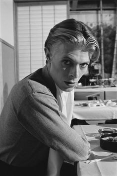 - David Bowie filming in The Man Who Fell to Earth...