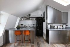 Modern small kitchen | stainless steel cabinet doors