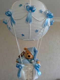 Winnie the Pooh Hot Air Balloon Nursery Light shade Idee Baby Shower, Mesas Para Baby Shower, Shower Bebe, Baby Boy Shower, Baby Shower Gifts, Baby Shower Parties, Baby Party, Baby Shower Decorations For Boys, Baby Shower Centerpieces