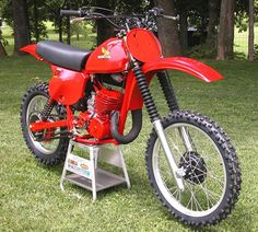 1979 CR250r.  Not my old bike, but identical to the one I had. A great bike. Loved it.....yet strangely, I sold it.(.....never should have sold it)