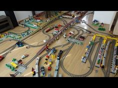 Gigantic Lego Train Layout 2 with 30 years of Lego Train sets with 60051 and 60052 Lego Train Tracks, Lego Duplo Train, Lego Trains, Bedroom Closet Design, Lego Games, Minecraft Party, Train Layouts, Train Set, Lego Building