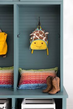 Lockers are great storage and organization in any garage or mudroom, and these couldn't be any simpler! Get the full details on Lowes.com/theweekender.