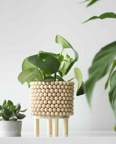 Wooden Crafts, Wooden Diy, Diy And Crafts, Bois Diy, Diy Tumblr, Diy Plant Stand, Ideias Diy, Diy Holz, Diy Planters