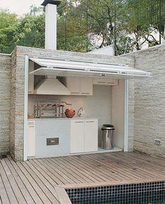 Outdoor Kitchen Designs with Roofs | Veja como usamos o perolado acima para não perder a iluminação ...
