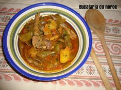Mancare de fasole verde si cartofi cu coaste de miel - Bucataria cu noroc Thai Red Curry, Noroc, Meat, Chicken, Ethnic Recipes, Green, Cubs