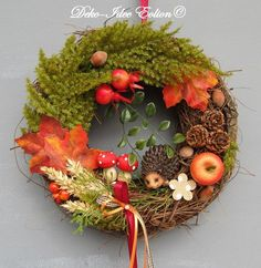 "Autumn door wreath ""Hedgehog in hiding"" Holiday Crafts For Kids, Fall Crafts, Diy And Crafts, Autumn Wreaths, Holiday Wreaths, Diy Wreath, Door Wreaths, Fall Arrangements, Blog Deco"