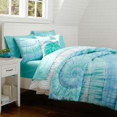 How to tie dye bed sheets, bed linen, bedding or cotton fabric Tie Dye Bedding, Teen Bedding, Bedding Sets, Bedroom Themes, Girls Bedroom, Bedroom Decor, Bedroom Ideas, Ocean Bedroom, Santa Cruz