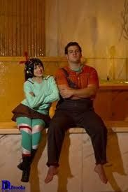 My daughter and her uncles costumes next Halloween. Gonna be awesome! wreck it ralph and vanellope von schweets costume / cosplay Cute Couple Halloween Costumes, Hallowen Costume, Disney Halloween, Halloween Cosplay, Cool Costumes, Cosplay Costumes, Halloween Party, Costume Ideas, Halloween Inspo