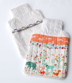 Make the winter's night more cosy by learning to make this hot water bottle cover. Free tutorial and pattern. Sewing Patterns Free, Free Pattern, Water Bottle Covers, Bedroom Crafts, Sewing Class, Cover Template, Sewing Projects For Beginners, Sewing Hacks, Sewing Tips