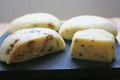 Croissant und Spitzenhäubchen: home Käseherstellung