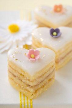heart tea cakes
