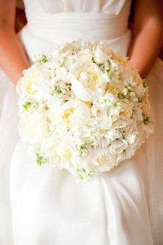 I love this! I wasn't a fan of white bouquet but this is just lovely!