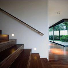Luminária no frame LUMINI    linha de luminárias embutidas para tecnologia LED, lâmpadas incandescentes, halógenas, vapores metálicos e fluorescentes, para forro de gesso, parede ou piso, com opções de fachos fixos e orientáveis  sua principal característica é a fixação sem moldura, conferindo um acabamento limpo aos ambientes  nas versões no frame total, no frame total WW e no frame total flex, um único formato de nicho permite a instalação de diferentes opções de lâmpadas