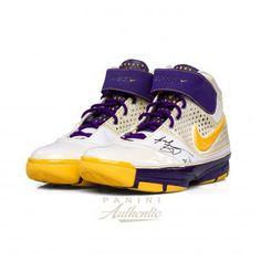 pretty nice 88e1d f1a2f KOBE BRYANT Autographed Nike Zoom Kobe 2 Shoe PANINI