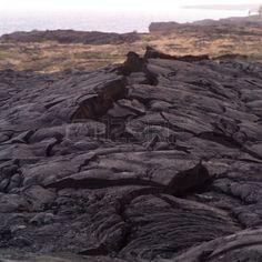 http://us.123rf.com/400wm/400/400/keithlevit/keithlevit0904/keithlevit090400190/4632847-cracks-in-the-hardened-lava-of-hawaii-volcanoes-nati...