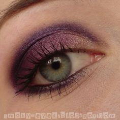 pretty purple eyeshadow look. oooh
