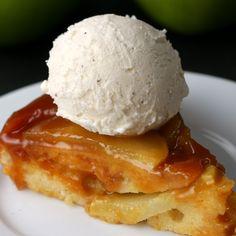 キャラメルりんごのアップサイドダウン・ケーキアイス添え