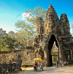 Coming soon! Borobudur, Angkor Wat, Travel Memories, Future Travel, Historical Sites, Abandoned Places, Dream Vacations, Southeast Asia, Wonders Of The World
