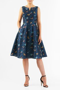 A split neck tops our bird print polydupioni dress designed with a fitted tank bodice and seamed waist atop a full flare skirt. Bird Clothing, Unique Dresses, Flare Skirt, Stylish Outfits, Plus Size Fashion, Dress Skirt, Designer Dresses, Ready To Wear, Glamour