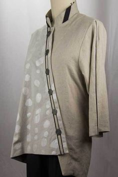 """Fall Linen by West Zen Studio, """"I just finished this linen shirt this past weekend. Obviously, I don't care about the rules of textile seasons, because I plan on wearing this shirt as a transitional weight until the cold sets in."""""""