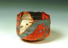 Rozenn Bigot (France) - bol à thé vert (appelé chawan) … Pottery Mugs, Ceramic Pottery, Pottery Art, Kintsugi, Japanese Ceramics, Japanese Pottery, Sculptures Céramiques, Chawan, Biscuit