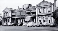 Cars parked outside the Grenadier Hotel in Oxford Terrace, Christchurch, New Zealand. Nz History, Christchurch New Zealand, Car Parking, Night Club, Kiwi, Terrace, 1950s, The Outsiders, Restaurants